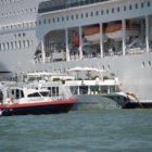 Venecia resultó embestida por un crucero turístico