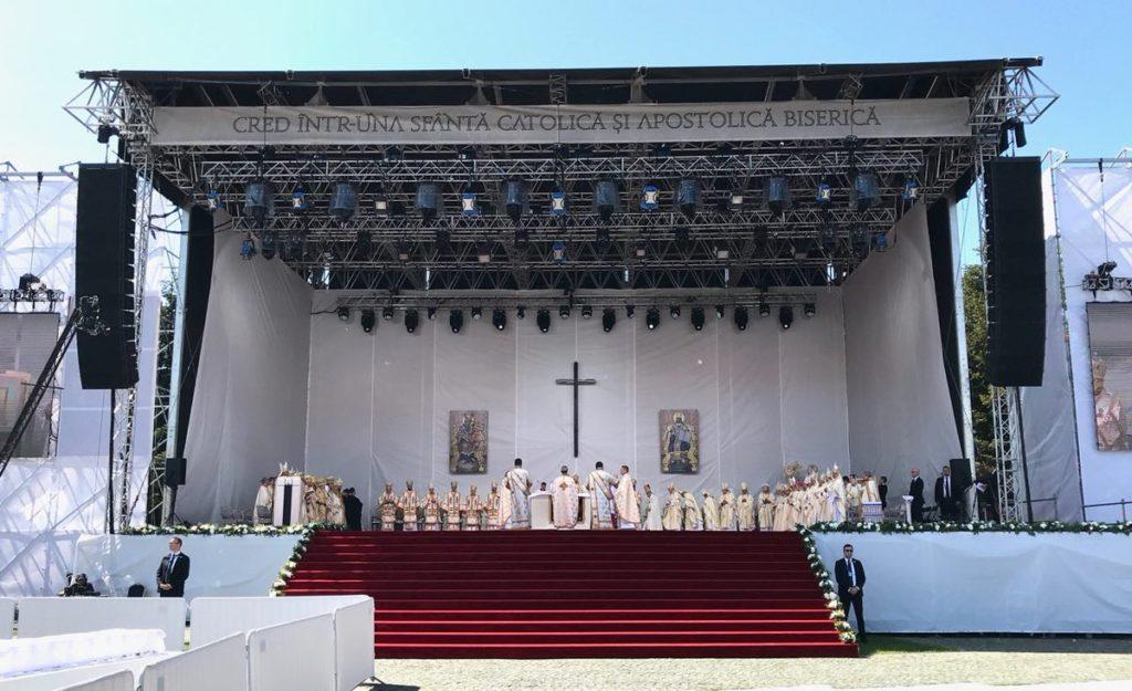 El Papa se solidarizó con los gitanos ante histórico maltrato