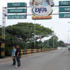 Peatones pueden pasar la frontera entre Colombia y Venezuela