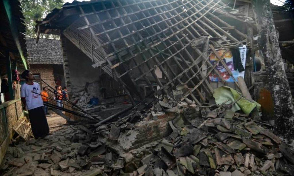 Indonesia cuenta cuatro bajas tras terremoto de 6,9 de magnitud