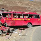 Aparatoso accidente de autobús enlutó el domingo pakistaní
