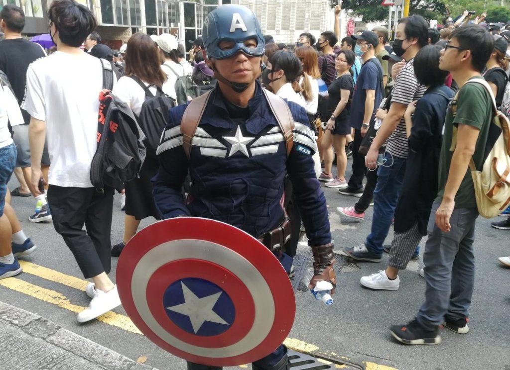 Injerencismo devela su peor rostro en manifestación hongkonesa