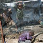 Grecia pide a Europa solidarizarse con los niños refugiados