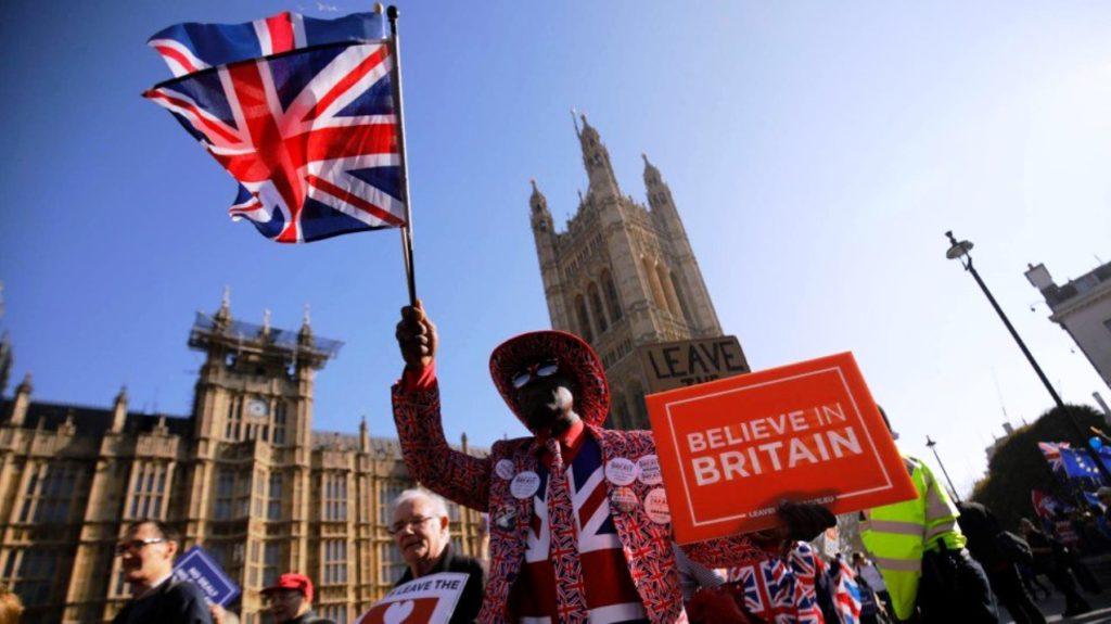 Johnson estudia una posible salida salvaje de la Unión Europea