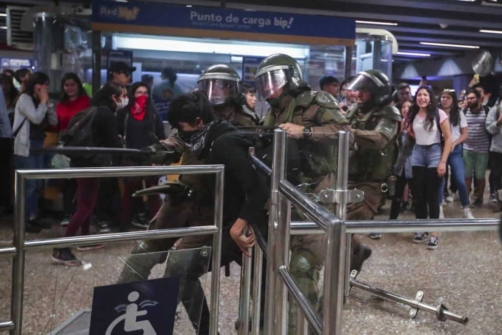 Disturbios en Santiago de Chile generaron cientos de heridos