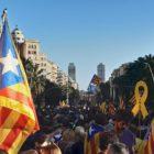 Independentismo catalán insiste a Madrid para que libere a sus líderes