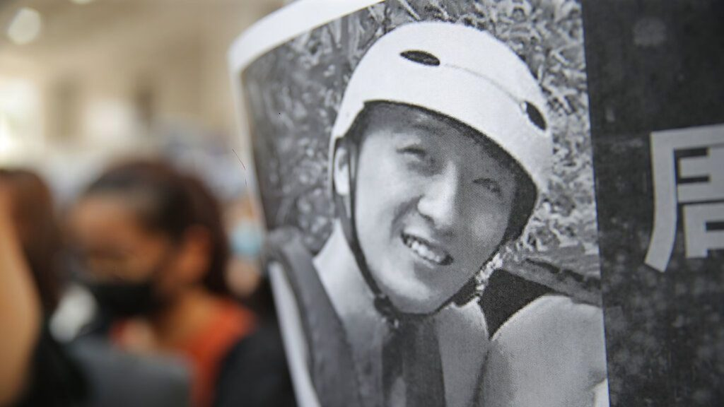 """En Hong Kong se exacerbó la violencia """"a causa del luto"""""""