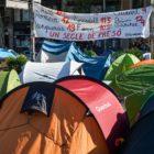 Estudiantes independentistas arman una acampada en Barcelona