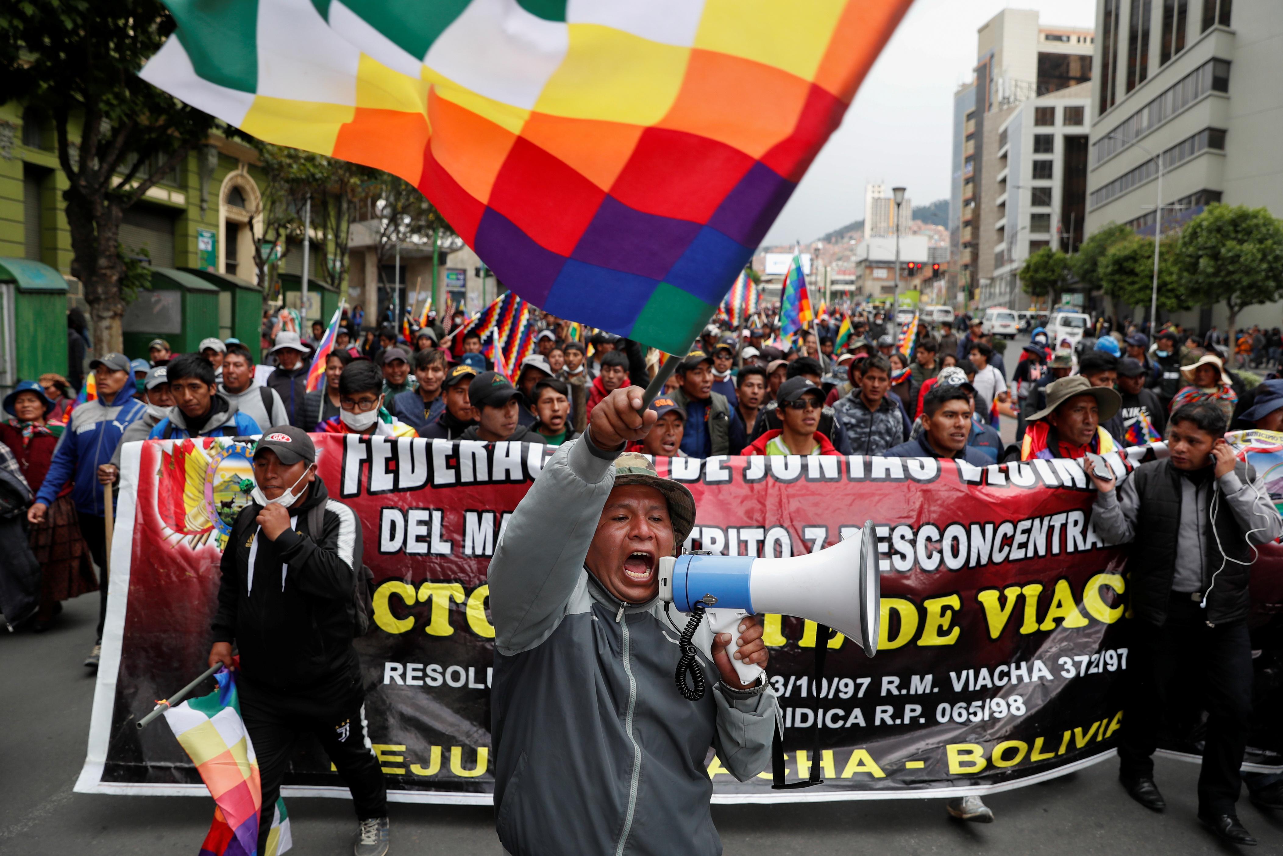 Bolivia en conflicto: Golpe de Estado, mentiras, cuotas y medios