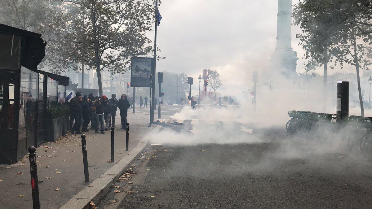 Chalecos amarillos arriban a aniversario entre protestas y detenciones
