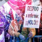 Españoles protestan contra despidos por enfermarse