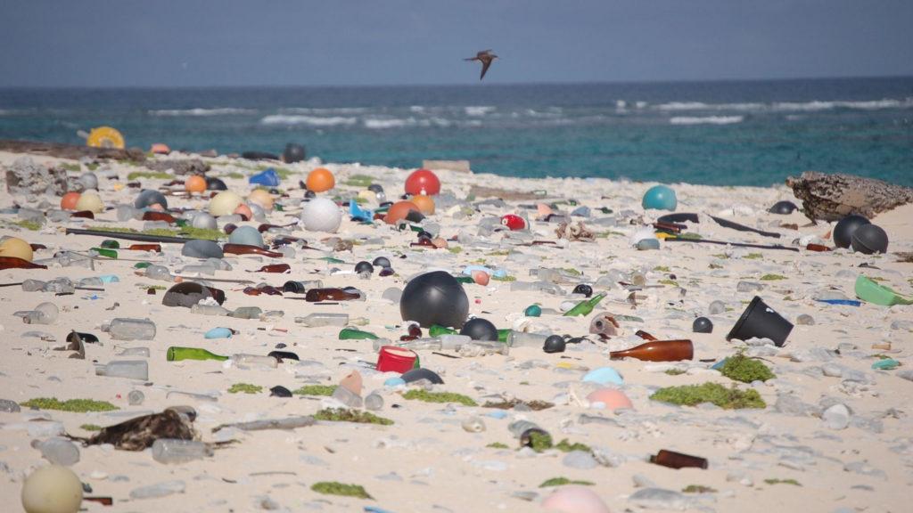 El Caribe se declara contra los plásticos de un solo uso