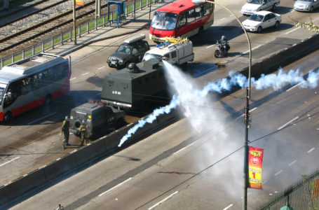 Exceso policial y un bus quemado deja nueva protesta en Chile / Foto: Cortesía