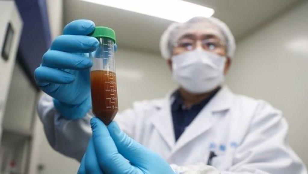 """Médicos chinos buscan la vacuna """"para emergencias"""" contra el coronavirus"""