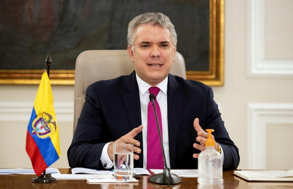 Duque intenta presionar a la justicia para salvar a Álvaro Uribe