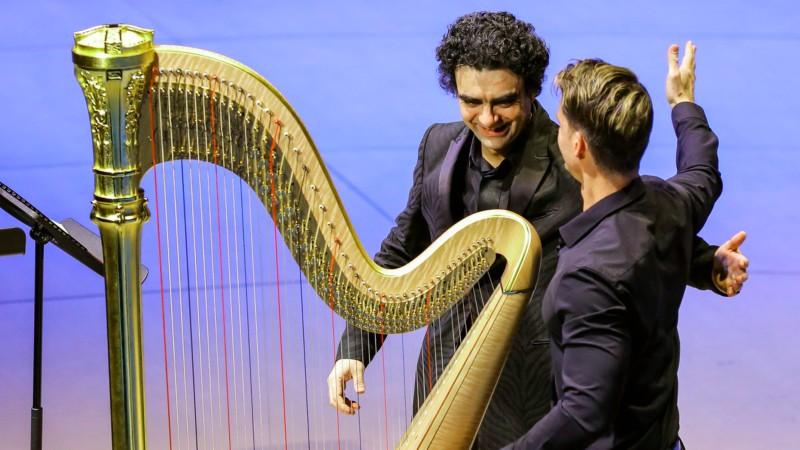Piezas interpretadas con nuevos enfoques en el piano, reviven el sentir de Latinoamérica.