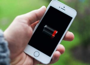 Apple enfrenta demandas en Europa