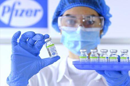 Vacuna Pfizer/BioNTech se considera segura para su uso en el Reino Unido