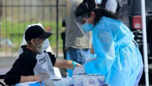 Vacuna PfizerBioNTech se considera segura