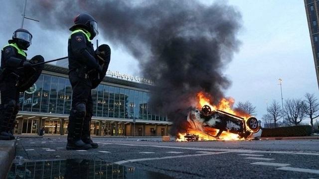 Holanda entra en una crisis muy visible