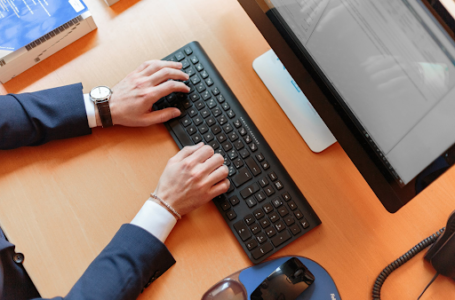 Finanzas, formación e información en la era digital