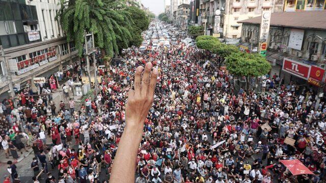 Sigue la tensión en Myanmar