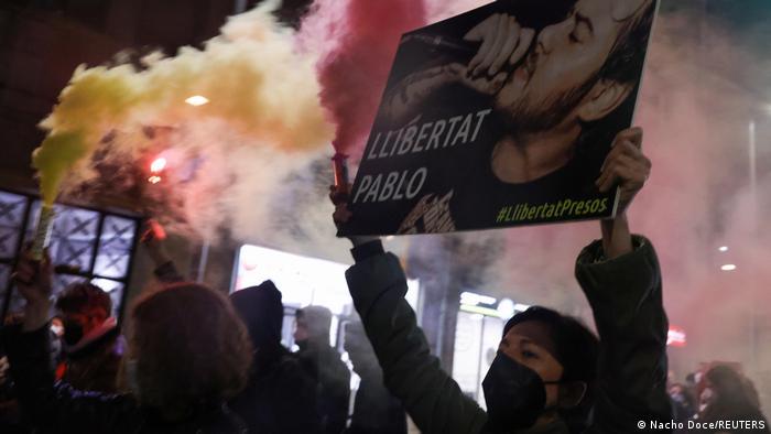 Violenta represión a seguidores de Hasél