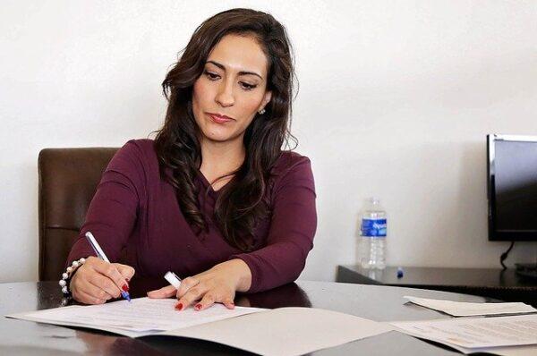 Enseñanza Online sobre trabajo administrativo