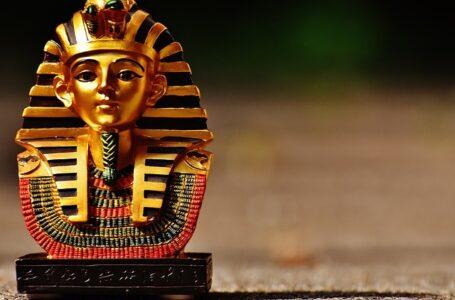 Un desfile de momias al nuevo museo visto por los egipcios