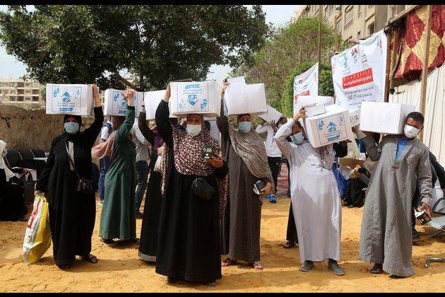 Empresas chinas en Egipto donan alimentos a los pobres durante el Ramadán