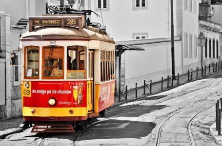 Las peluquerías, cafeterías y restaurantes reabren tras el cierre de Lisboa