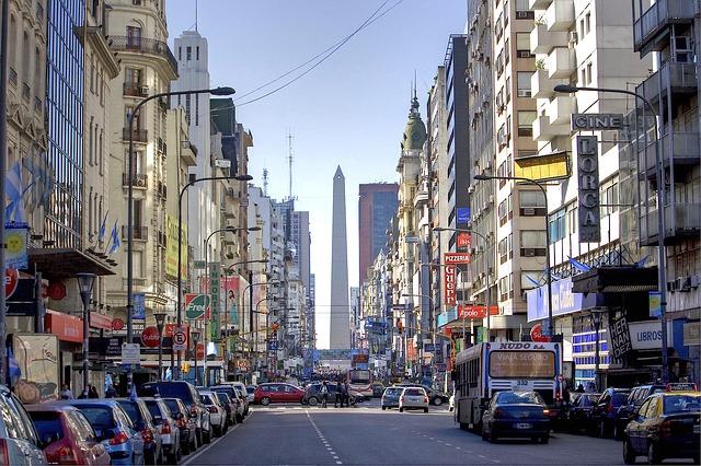 Estudio en Argentina: Sputnik V es la más segura de todas las vacunas COVID-19