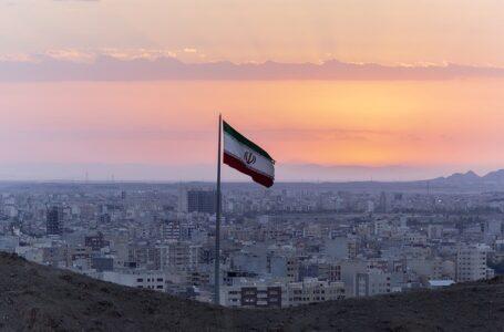 Mientras Irán se prepara para votar, la maltrecha economía es una de las principales preocupaciones
