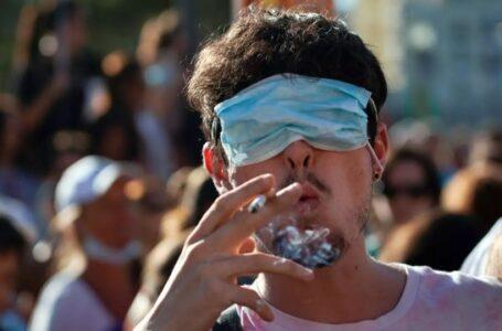 España dirá adiós a las mascarillas obligatorias en el exterior a partir del 26 de junio