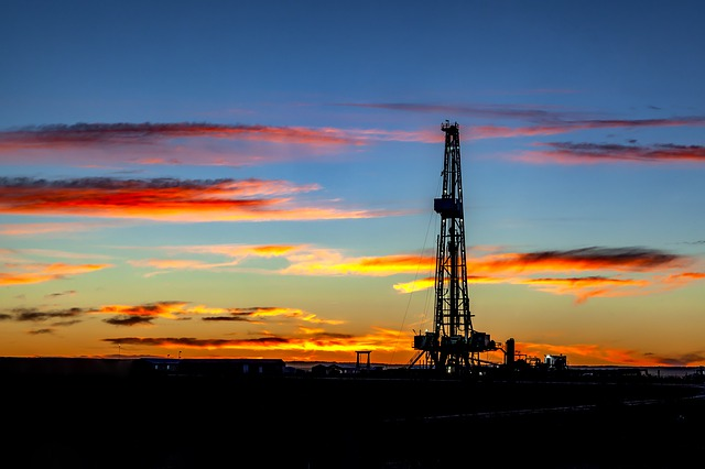 El enfrentamiento entre Arabia Saudí y EAU impide un acuerdo sobre la producción de petróleo en la reunión de la OPEP