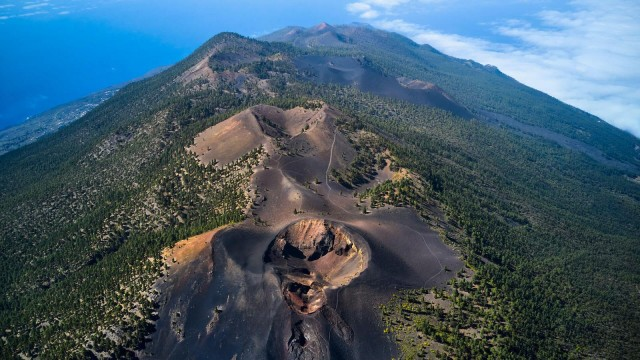 Volcán de España atrae a los visitantes