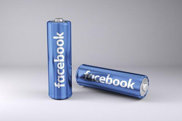 Facebook dice que ayudó a trasladar por aire a personal y periodistas afganos