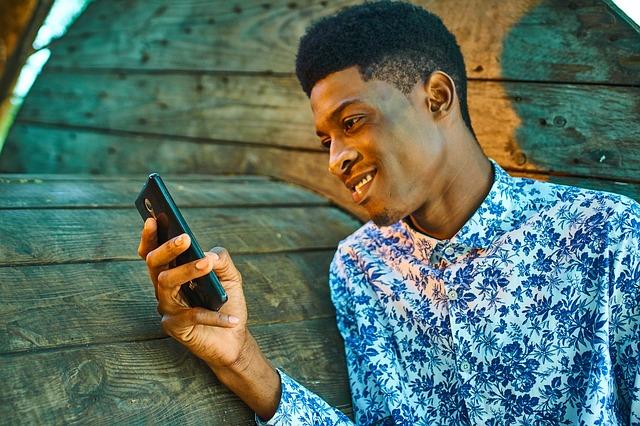 Los kenianos ofrecen un plan gratuito de Netflix, el primero de su clase